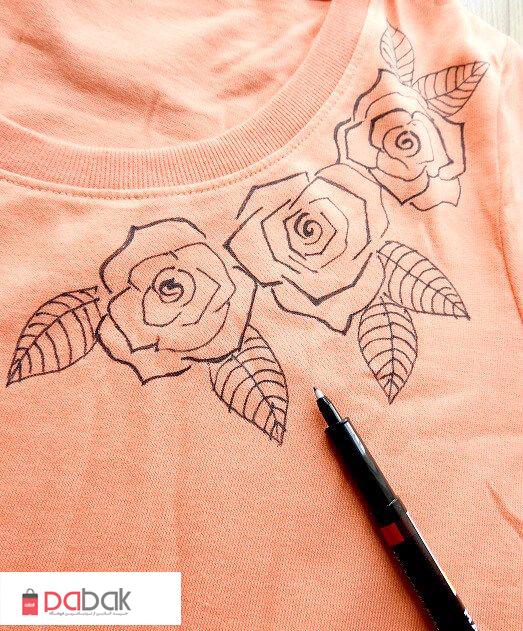 t shirt painting1 - چگونه روی پارچه نقاشی کنید