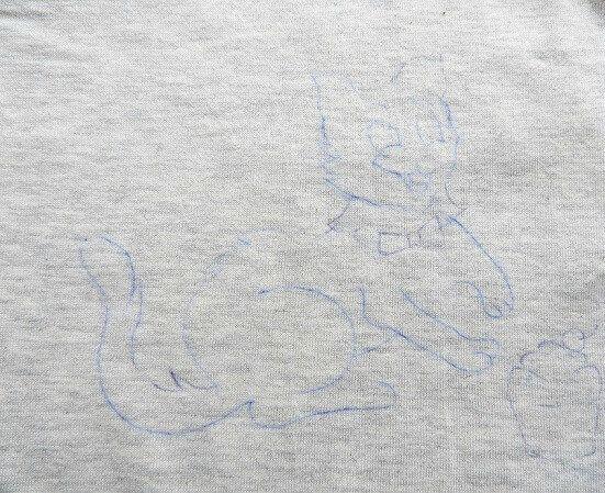t shirt painting103 - چگونه روی پارچه نقاشی کنید