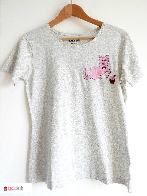 t shirt painting15 - چگونه روی پارچه نقاشی کنید